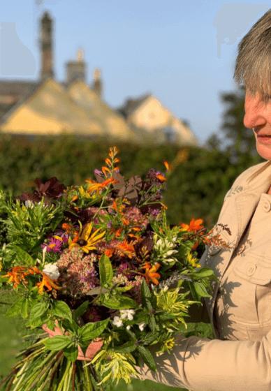 DIY Flower Arranging: Hand-tied Bouquet